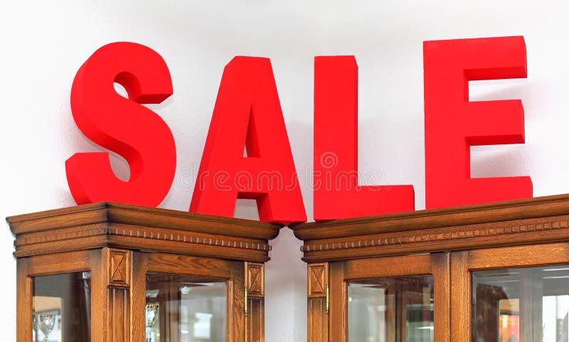 Palavra da venda sobre armários imagem de stock royalty free