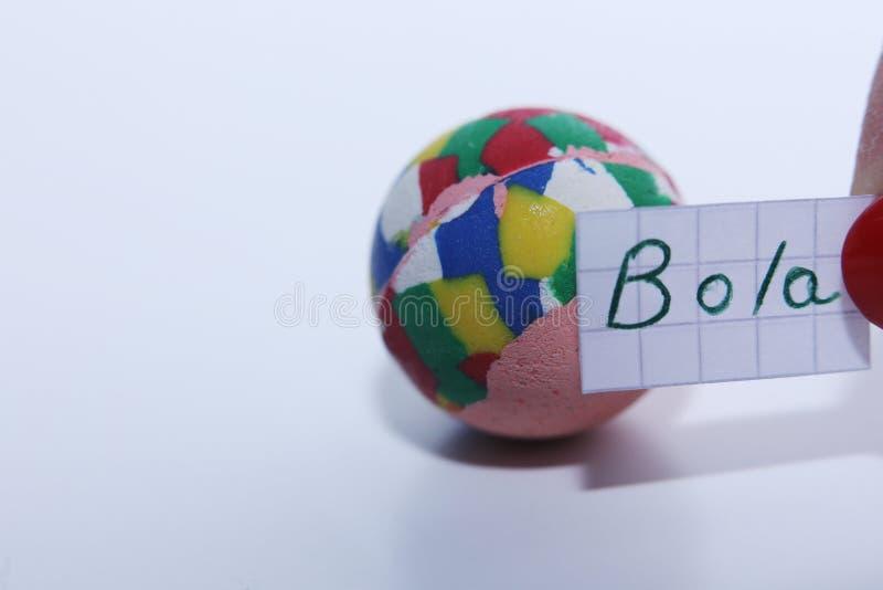 Palavra do Bola no espanhol para a bola em inglês fotografia de stock royalty free