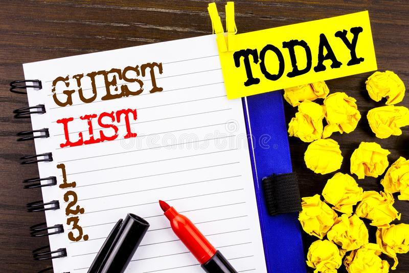 A palavra, a escrita, o conceito do negócio da lista do convidado do texto para o casamento planeando ou as lista importantes dos foto de stock royalty free