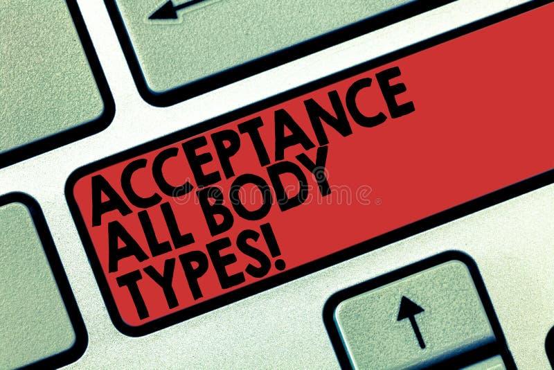 Palavra que escreve a aceitação do texto todos os tipos de corpo O conceito do negócio para o amor-próprio não julga mostrar para fotos de stock