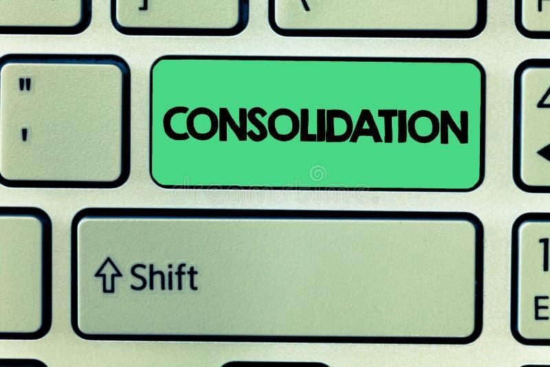 Palavra que escreve a consolidação do texto Conceito do negócio para a ação ou o processo de fazer algo mais forte ou mais contín imagem de stock