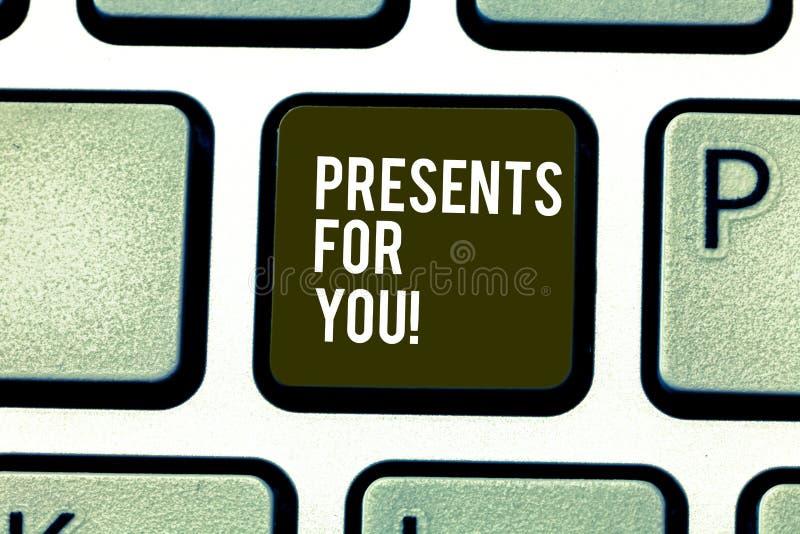 Palavra que escreve presentes do texto para você Conceito do negócio para para dar formalmente ou cerimonialmente ou conceder for imagem de stock