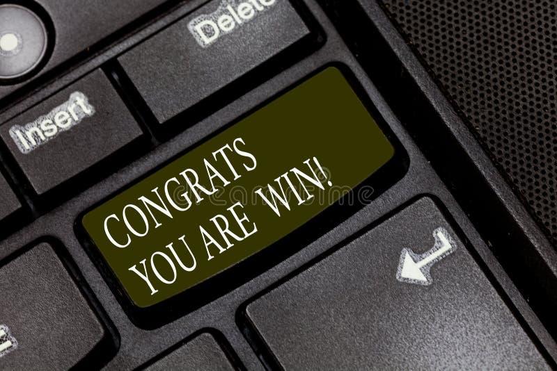 A palavra que escreve a texto Congrats o é vitória Conceito do negócio para felicitações para o seu para realizar o vencedor da c imagens de stock royalty free