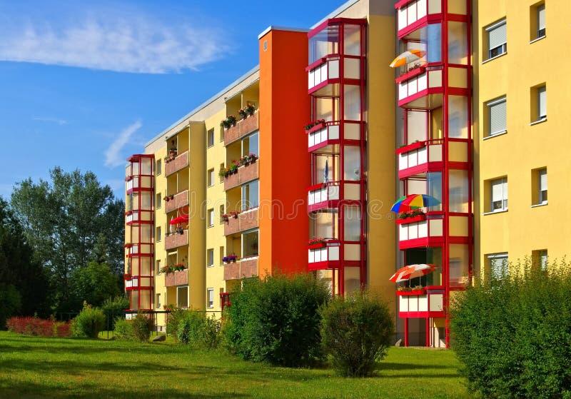 Palazzine di appartamenti di grossraeschen immagine stock for Palazzine moderne