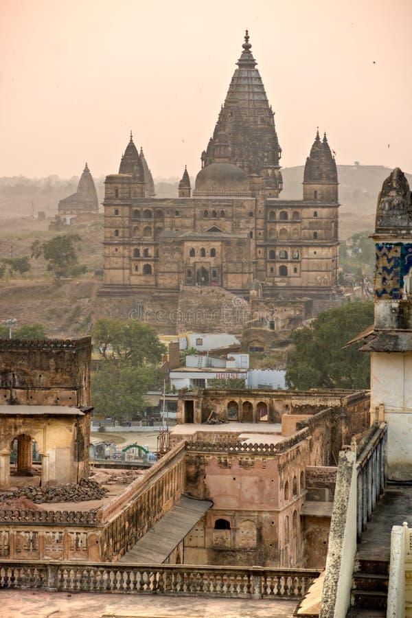 Palazzo al tramonto, India del Orchha. fotografia stock libera da diritti