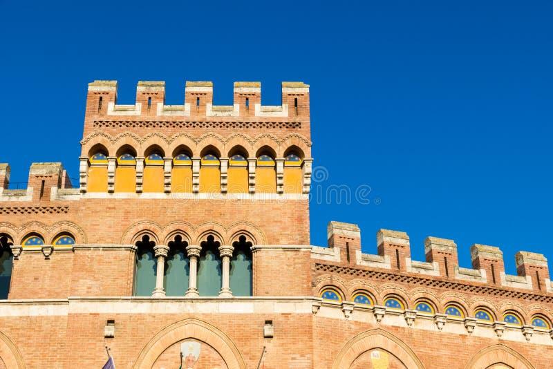 Palazzo Aldobrandeschi в аркаде Dante в Гроссето, Италии стоковое фото rf