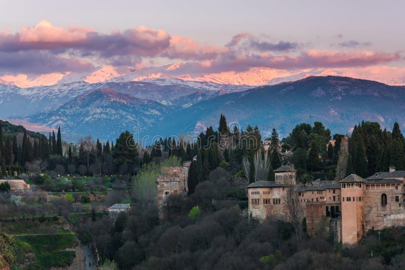 Palazzo arabo Alhambra a Granada, Spagna fotografia stock libera da diritti