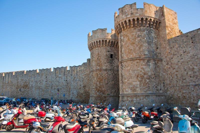 Palazzo del gran maestro dei cavalieri nella città medievale. immagini stock libere da diritti