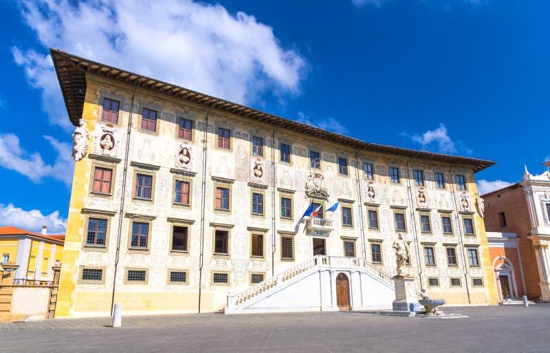 Palazzo dellaCarovana slott på den piazzadeiCavalieri Knights' fyrkanten i historisk mitt av Pisa arkivfoto