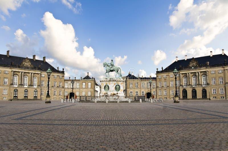 Palazzo di Amalienborg - casa di inverno del fami reale fotografia stock libera da diritti