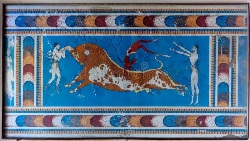 Palazzo di Cnosso del toro di Minoan dell'affresco, Creta, Grecia fotografia stock
