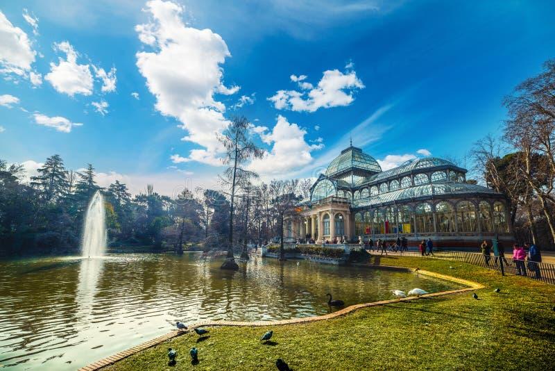 Palazzo di cristallo nel parco El Retiro di Madrid immagine stock libera da diritti