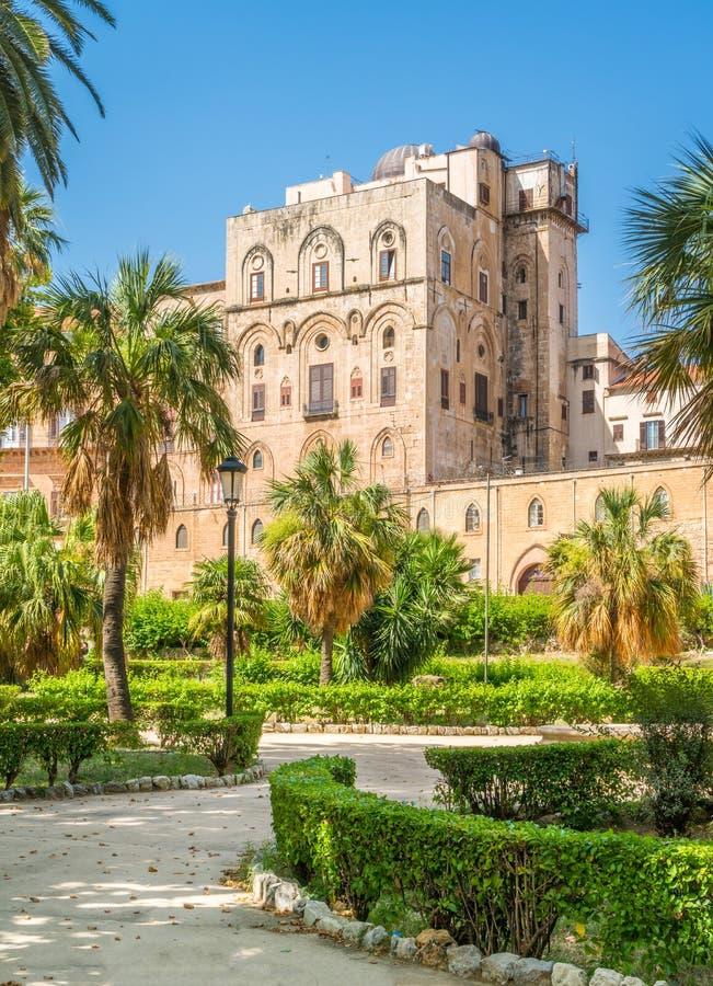 Palazzo di Normanni di dei di Palazzo dei normanni o di Royal Palace di Palermo La Sicilia, Italia del sud fotografie stock