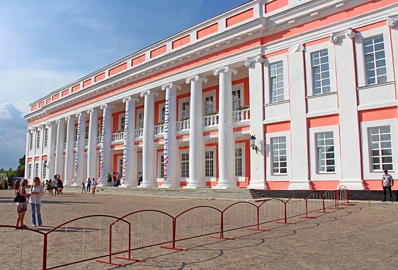 Palazzo di Potocki OperaFestTulchyn, festival internazionale dell'aria aperta di opera, è stato tenuto in Tulchyn sul territorio  fotografia stock