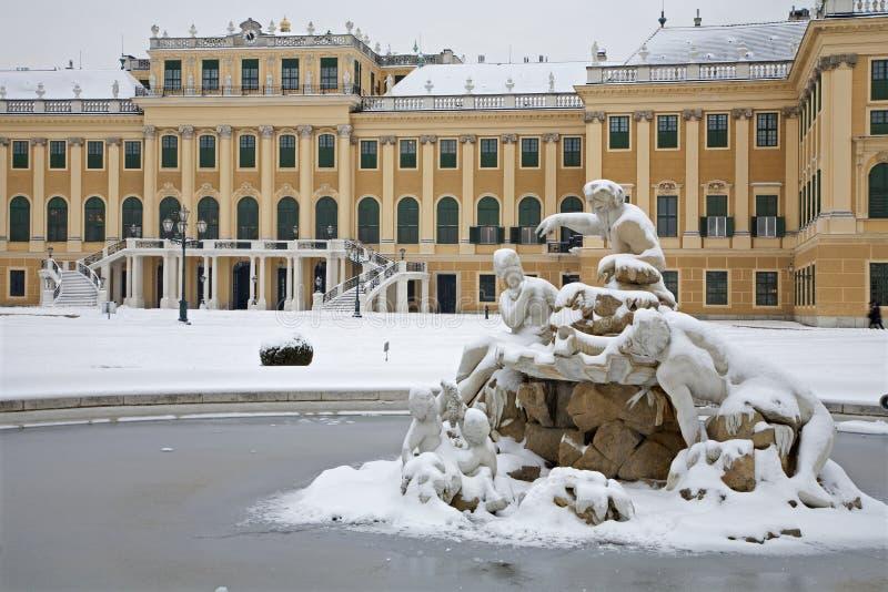 Palazzo di Schonbrunn - di Vienna nell'inverno fotografie stock libere da diritti