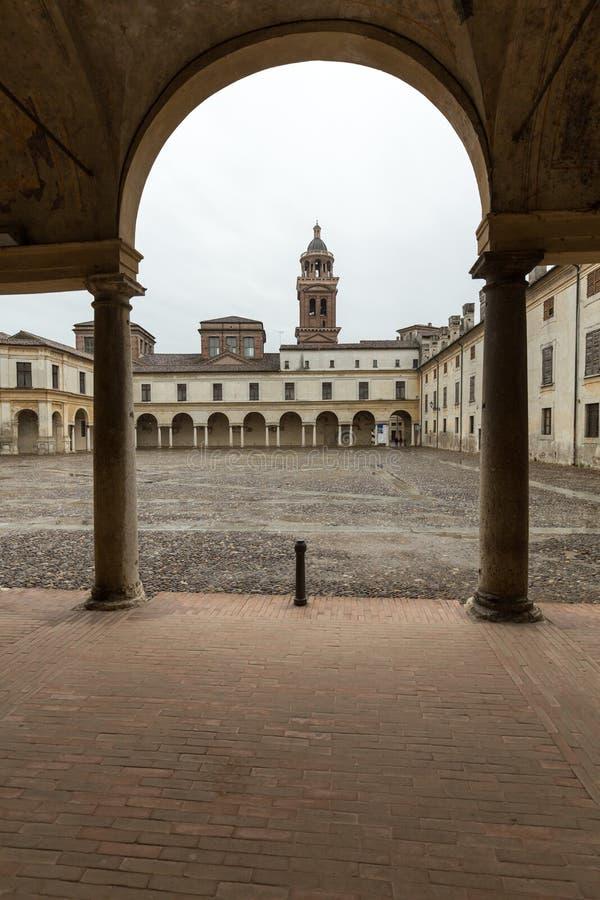 Palazzo Ducale na praça Castello em Mantua fotografia de stock