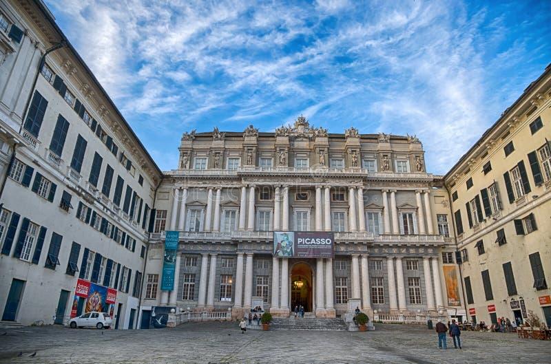 Palazzo Ducale nel centro urbano di Genova, Italia immagine stock