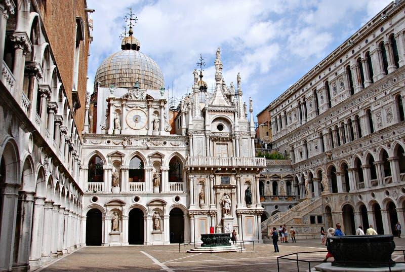 Palazzo-ducale in Venedig lizenzfreies stockfoto