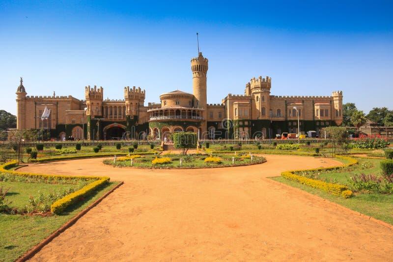 Palazzo e giardini di Bangalore fotografia stock libera da diritti