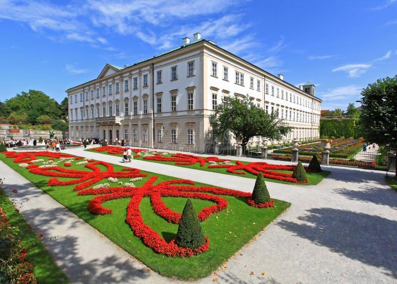 Palazzo e giardino di Mirabell a Salisburgo fotografia stock libera da diritti