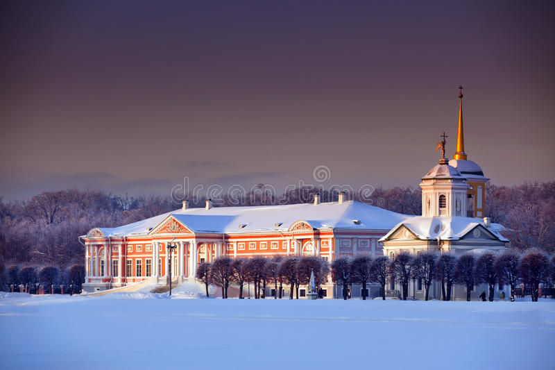 Palazzo in inverno immagini stock libere da diritti