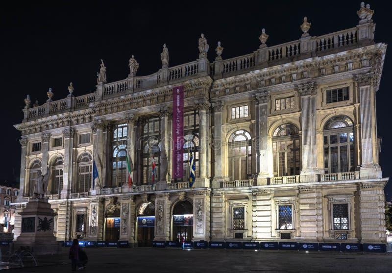 Palazzo Madama par nuit à Turin photos stock