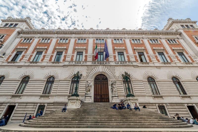 Palazzo Montecitorio, construção do parlamento do italien fotos de stock royalty free