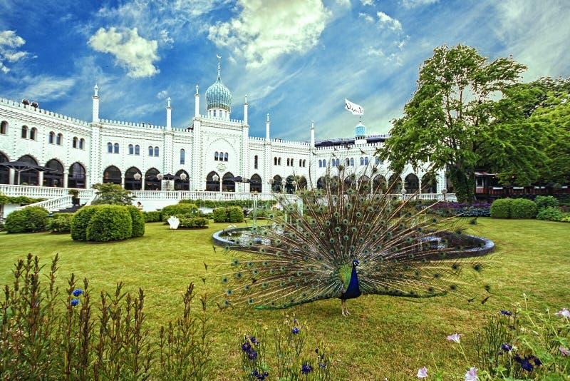 Palazzo nei giardini di Tivoli, Copenhaghen di moresco immagini stock