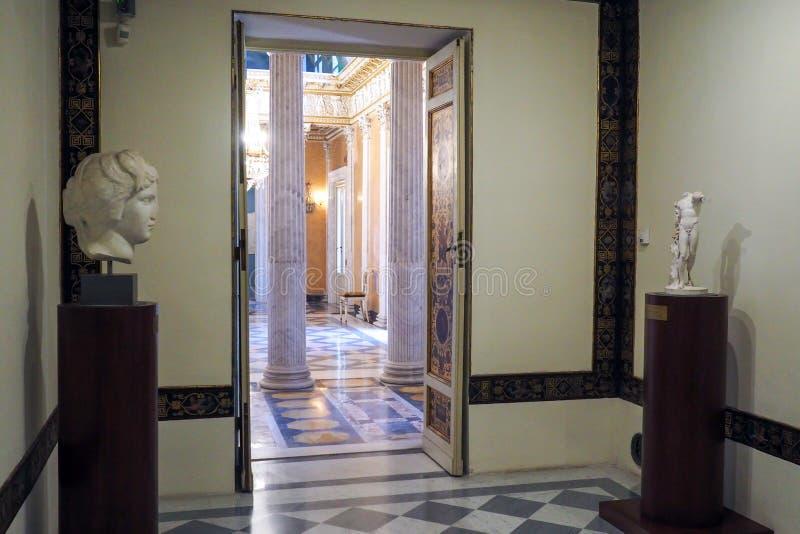 Palazzo neoclassico della villa Torlonia a Roma, Italia fotografia stock