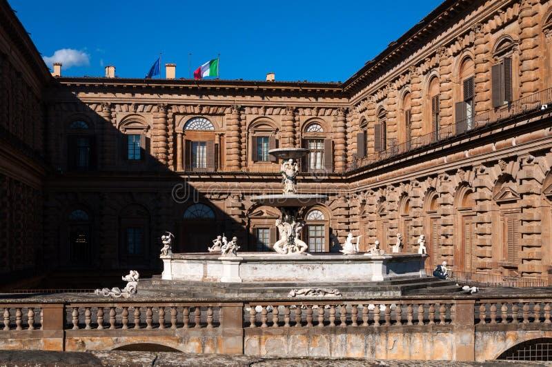 Palazzo Pitti后面门面看法在佛罗伦萨,意大利 库存图片