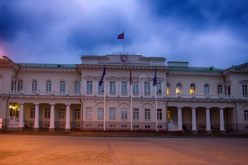 Palazzo presidenziale sulla S Quadrato Vilnius di Daukanto immagine stock