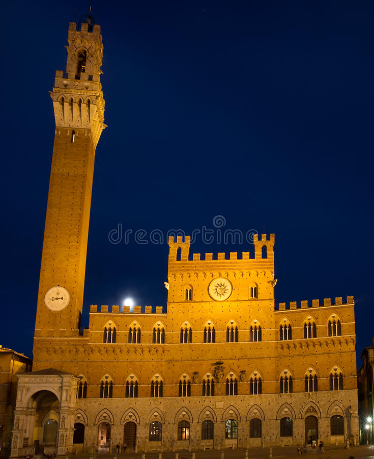 Palazzo Pubblico at the blue hour royalty free stock photos