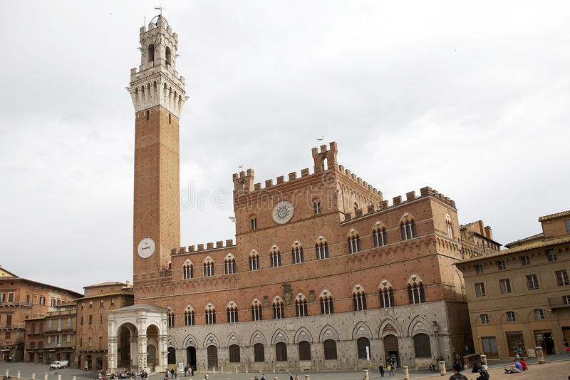 Palazzo Pubblico and Torre del Mangia, Siena, Tuscany, Italy stock images