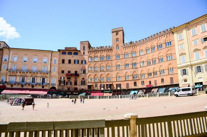 Palazzo Publico in Piazza del Campo Siena fotografia stock