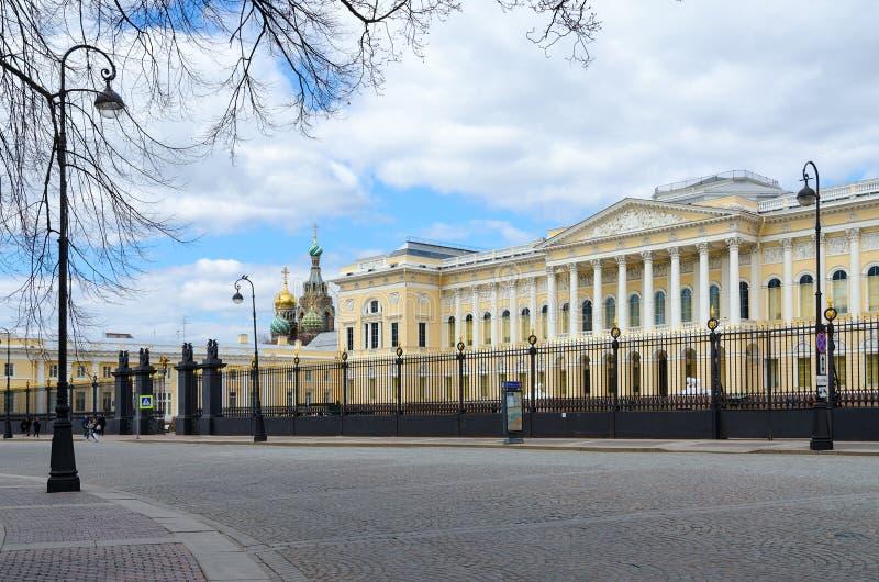 Palazzo russo di Mikhailovsky del museo dello stato famoso, St Petersburg, Russia fotografia stock
