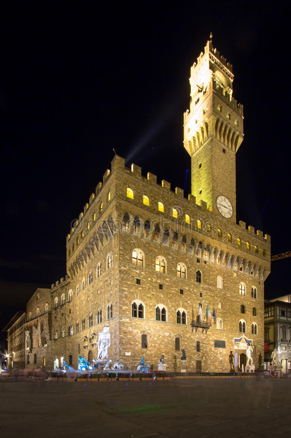 Palazzo Vecchio em Florença na noite, Itália fotografia de stock royalty free