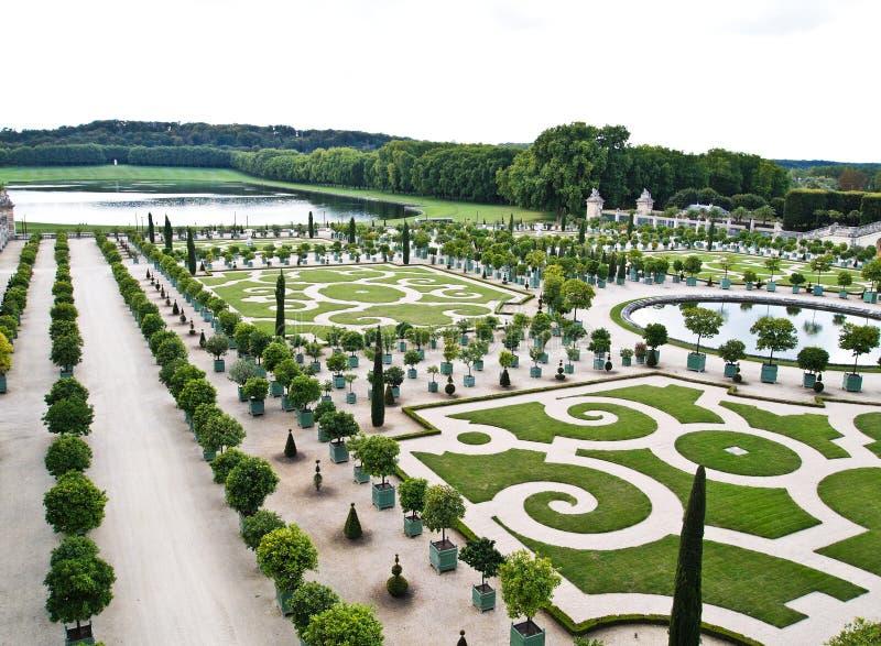 Palazzo versailles bei giardini ornamentali immagine for Giardini ornamentali