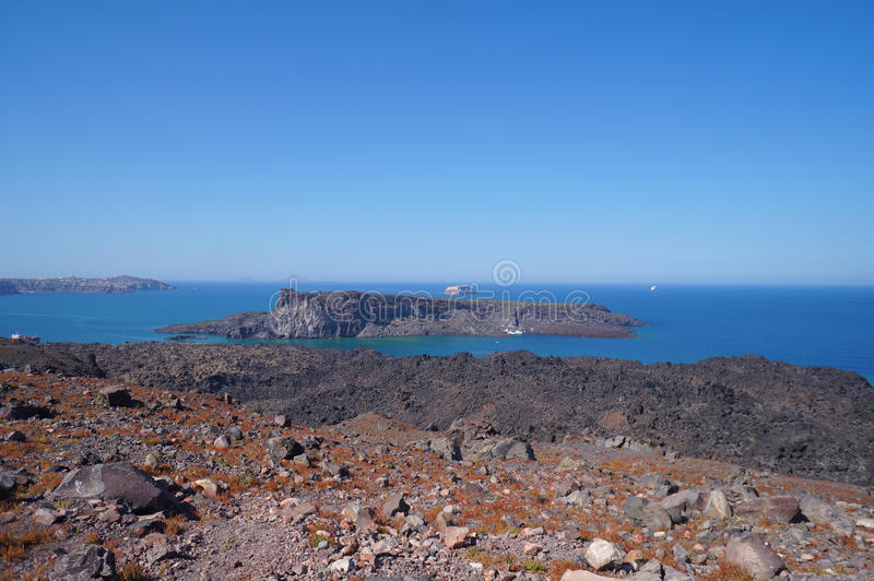Palea Kameni海岛看法从卡美尼岛,希腊的 图库摄影