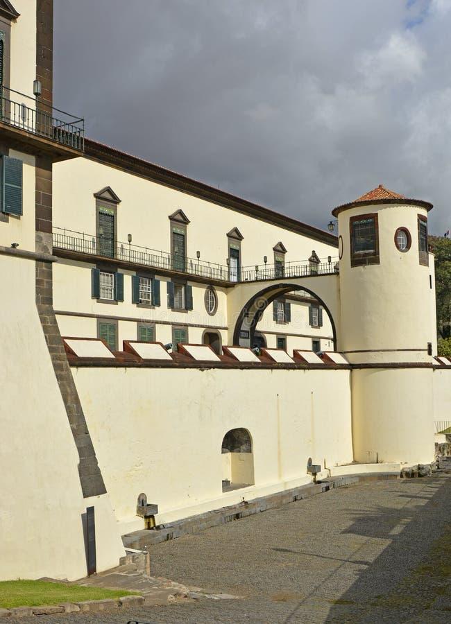 Paleis op strandboulevard van Funchal, Madera, Portugal royalty-vrije stock foto