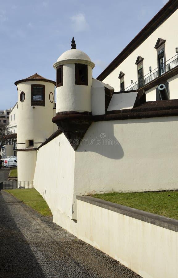 Paleis op strandboulevard van Funchal, Madera, Portugal royalty-vrije stock foto's
