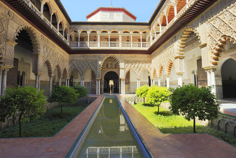 Paleis van Alcazar, Beroemde $ce-andalusisch Architectuur Oud Arabisch Paleis in Sevilla, Spanje royalty-vrije stock fotografie
