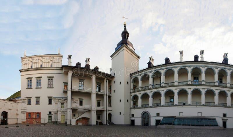 Download Paleis Van De Grote Hertogen Van Litouwen Stock Foto - Afbeelding bestaande uit beroemd, cityscape: 39103820