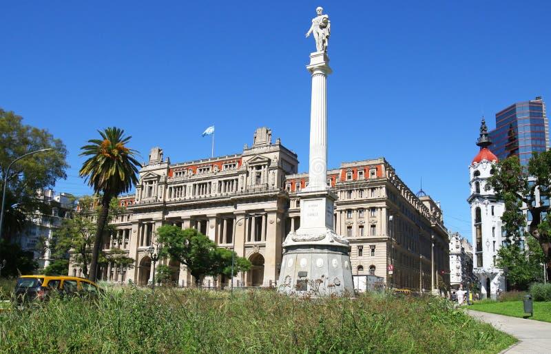 Paleis van Rechtvaardigheid, Hooggerechtshof van Argentinië, Monument aan Algemeen Juan Lavalle vooraan Puerto Madero bij Schemer royalty-vrije stock foto's
