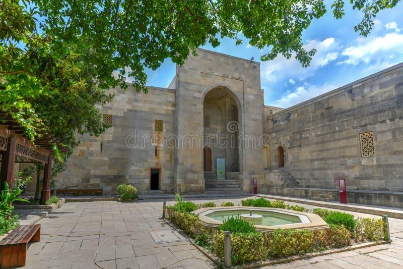Paleis van Shirvanshahs - Baku, Azerbeidzjan stock foto's