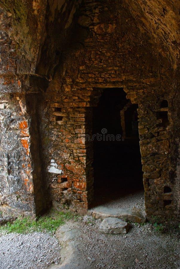 PALENQUE, MESSICO: Un corridoio del palazzo, una delle rovine buiding maya Palenque è stato dichiarato un sito del patrimonio mon immagine stock