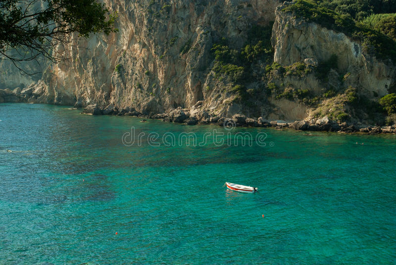 Paleokastritsabaai, het Eiland van Korfu, Griekenland stock foto