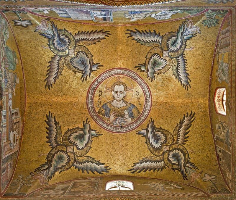 Palermo - cúpula da nave lateral da catedral de Monreale fotografia de stock royalty free