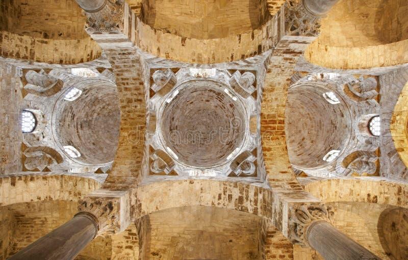 Palermo - cúpula e teto da igreja San Cataldo fotografia de stock