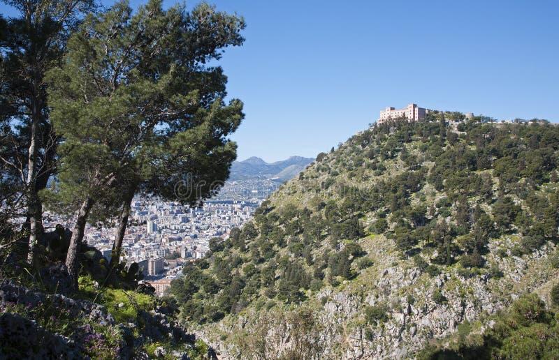 Palermo - Castelo Utveggio stockbild