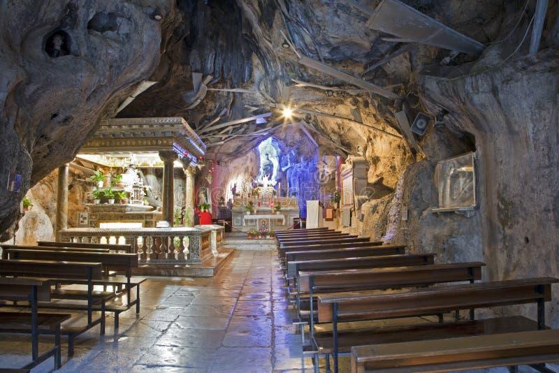 Palermo - caverna de di Santa Rosalia de Santuario. foto de stock